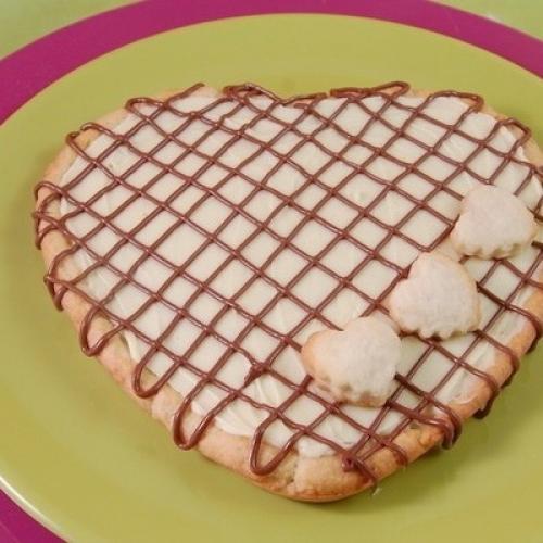 Пирог с белым шоколадом на День валентина.