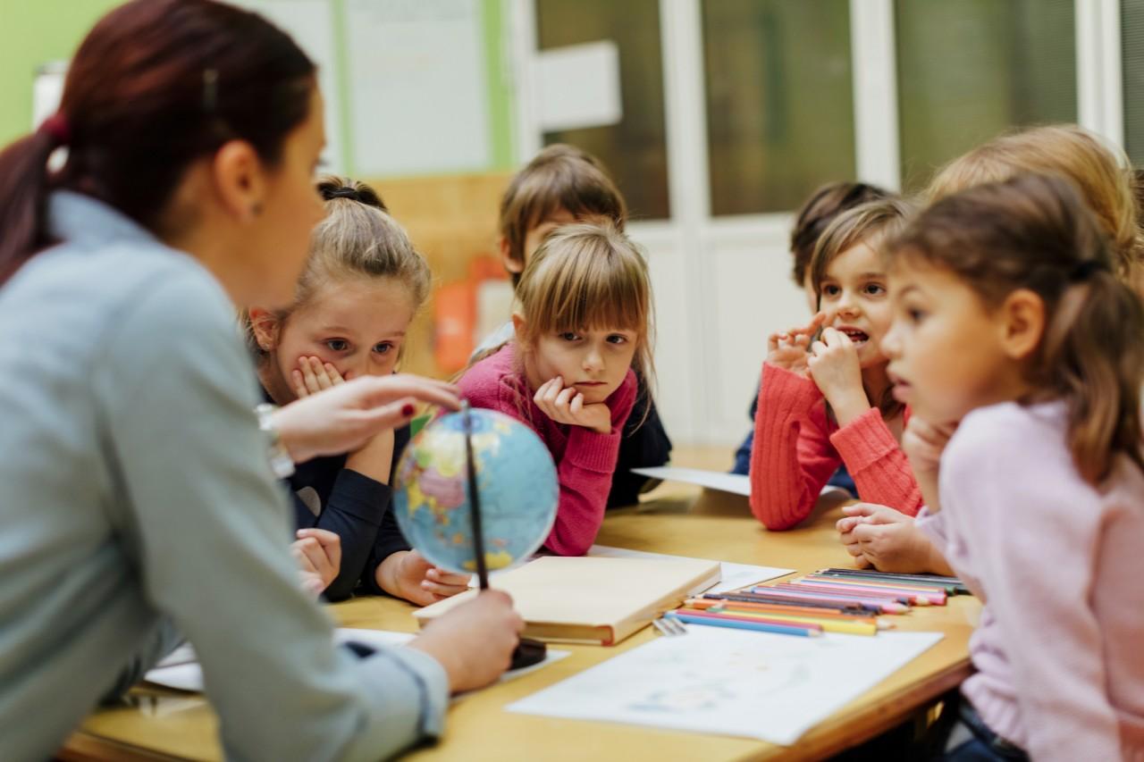 """Учитель проработала 2 года в частной школе: """"Своих детей я туда не отдам"""""""