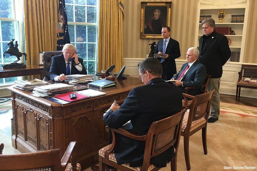 Трамп готовится к встрече с …