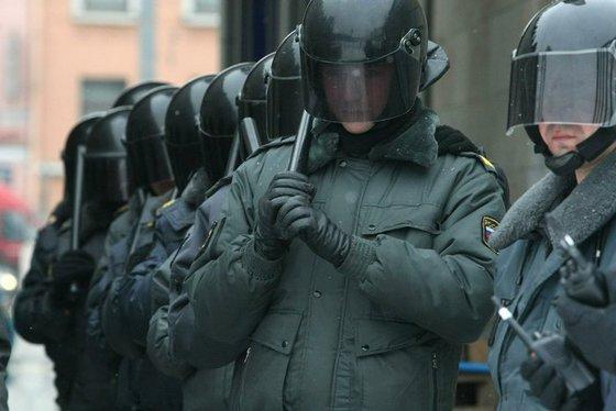 Зачем Навальный выводит 25 марта марш на Кремль