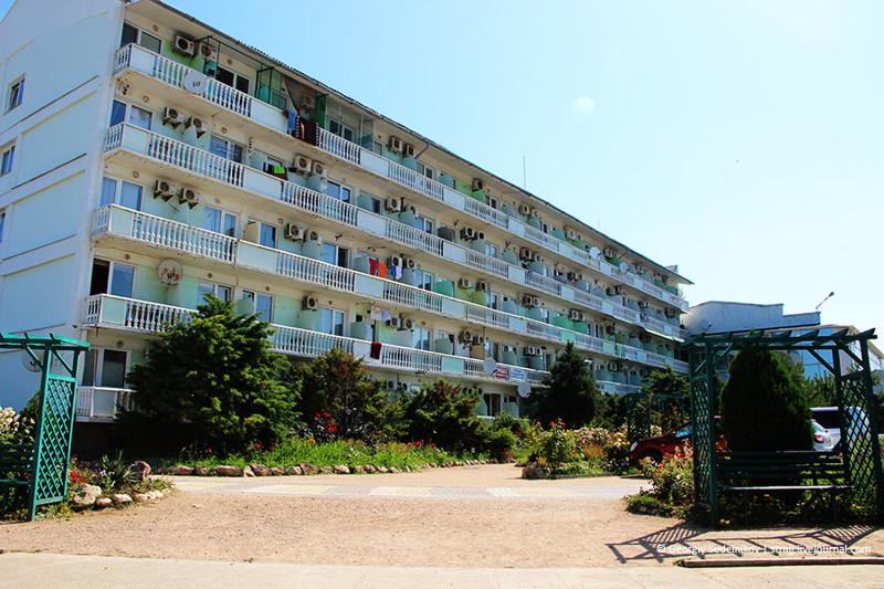 """""""Ничего не включено"""": почему Крым теряет туристов"""