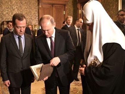 Поправки в закон о госохране. Путин и Медведев уходят в подполье?