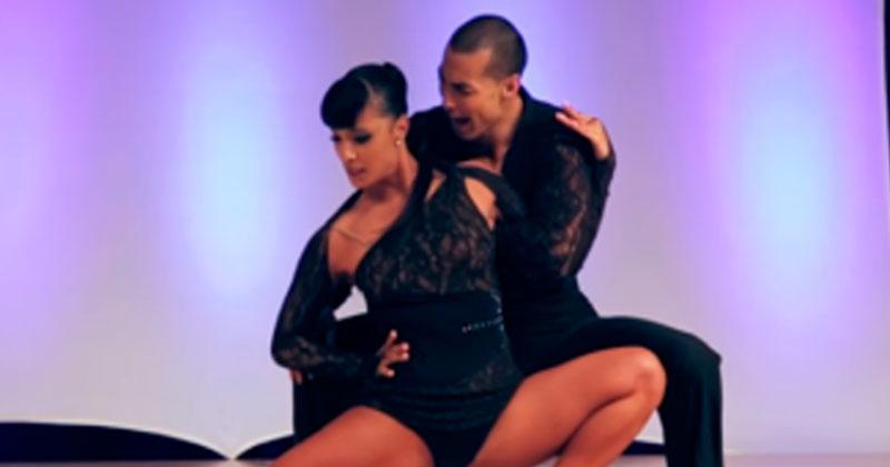 Когда эти двое затанцевали, зрители затаили дыхание. Невероятная скорость движений!