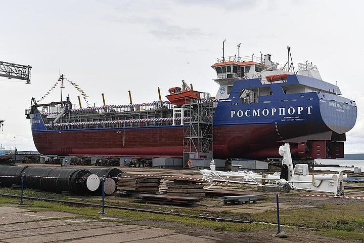 В Карелии спустили на воду судно «Юрий Маслюков»