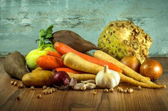 Ждём заморозков. Какие овощи и зелень посадить под зиму для раннего урожая
