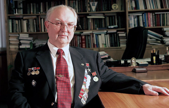 Академик Евгений Федосов: я не верю, что истребитель шестого поколения будет беспилотным