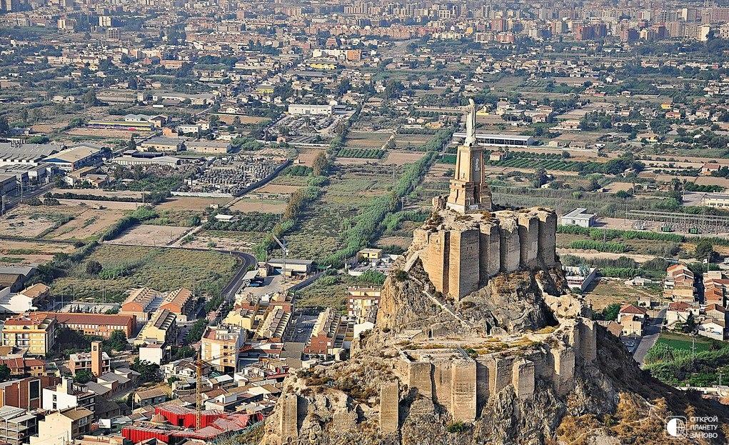 Замок Монтеагудо - охраняя Испанию