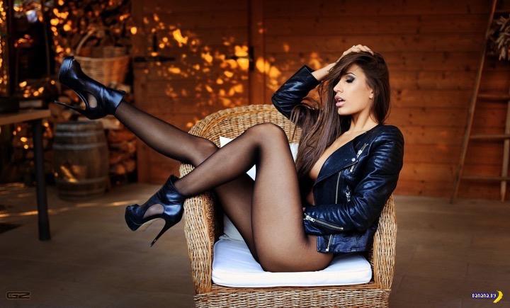 найти фото девушек брюнеток стройныхна каблуках