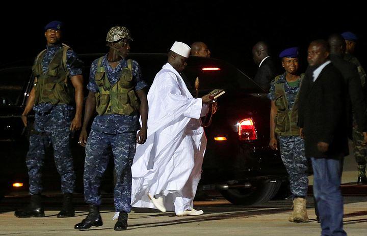 Экс-президент Гамбии Яйя Джамме покинул страну