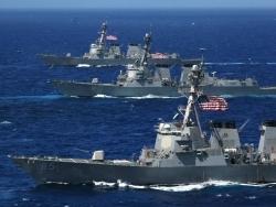 Пекин направил флот и авиацию наперерез американским кораблям, вторгшимся в спорные воды