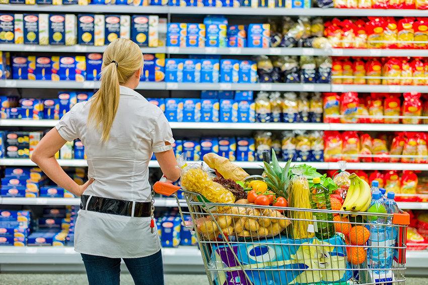 Цены на продукты в России снизились быстрее, чем в Европе
