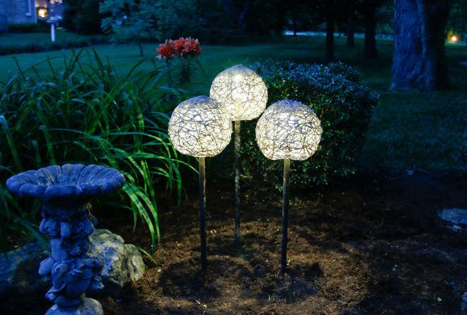 Красивый вариант садового светильника