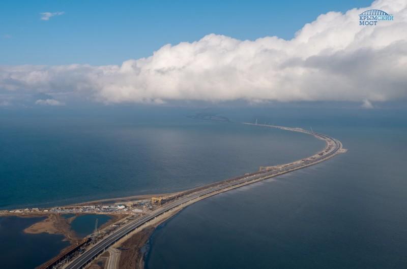 Машины поедут в Крым по несуществующему мосту