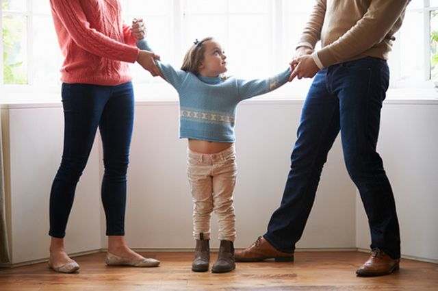 Мама, папа и развод. Как ребёнку пережить стресс от расставания родителей