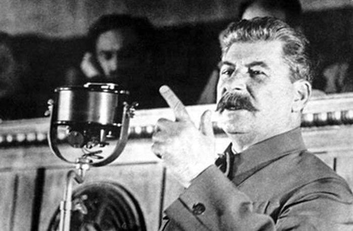 Сталин о лицемерных похвалах Запада
