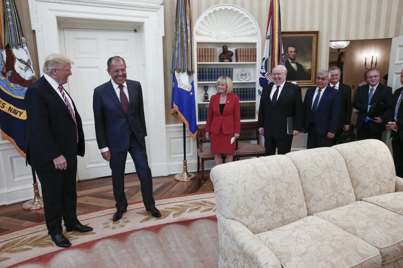 The Washington Post Как русские могли пронести записывающее устройство в Овальный кабинет