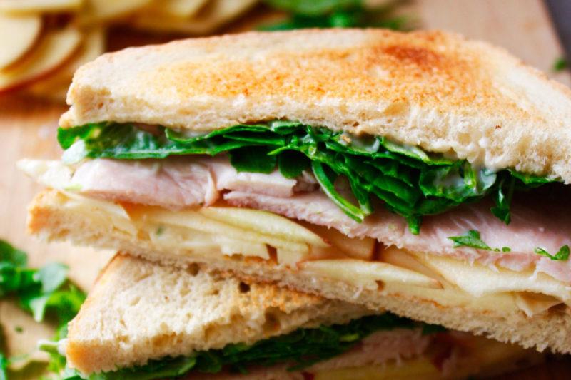 Изображение рецепта Сэндвич с индейкой, яблоком и сыром