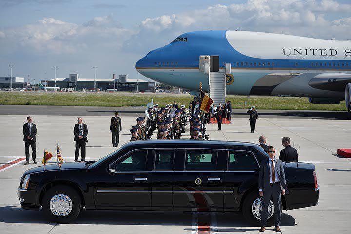 Лимузин Трампа не пролез в ворота королевского дворца в Брюсселе