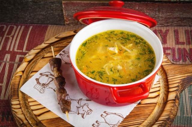 Вкусненький суп-лапша с куриными сердечками