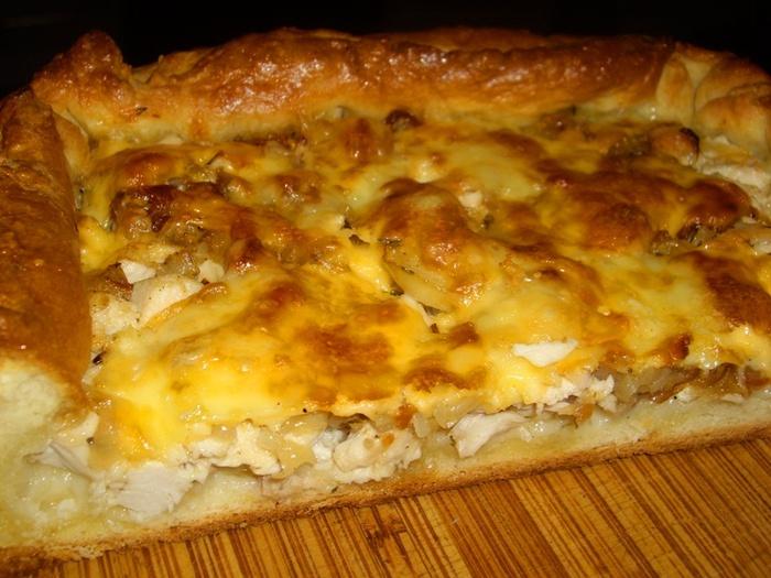 Чрезвычайно вкусный «Луковый пирог с курицей»