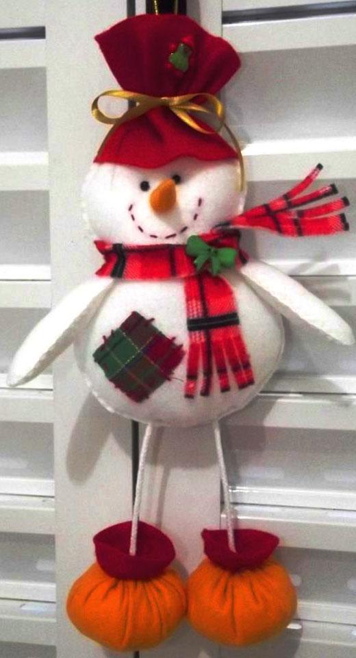 снеговичок с ножками