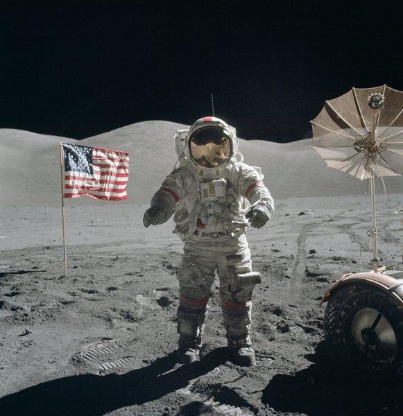 Почему никто больше не летает на Луну?