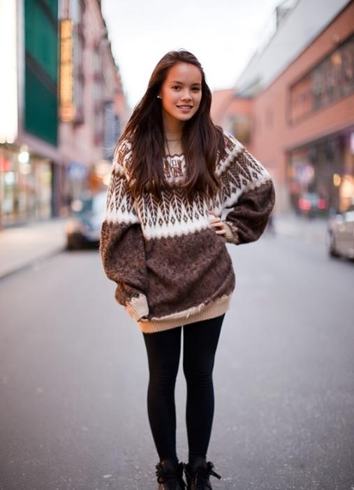 В тренде стиль оверсайз - ношение одежды на несколько размеров больше. / Фото tossy.ru