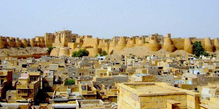 Джайсалмер - крепость, в которой люди живут уже 800 лет