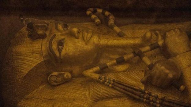 Внеземное происхождение кинжала Тутанхамона