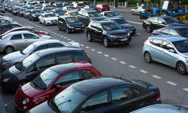 Автомобиль – худшая инвестиция для москвича