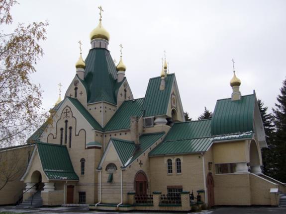 В США терроризируют православный монастырь