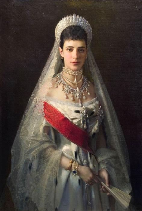Портрет императрицы Марии Федоровны кисти Крамского (1882)