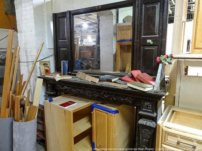 Антикварное надкаминное зеркало