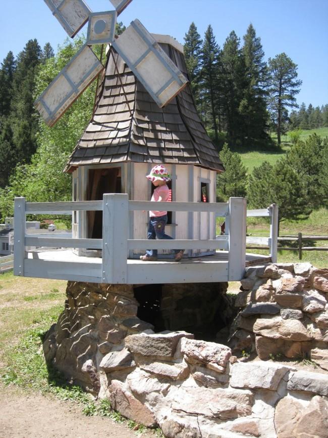 Мельница-домик для вашего ребенка