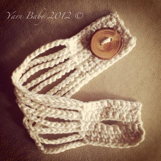 The Camden Cuff: Knit bracelet.: