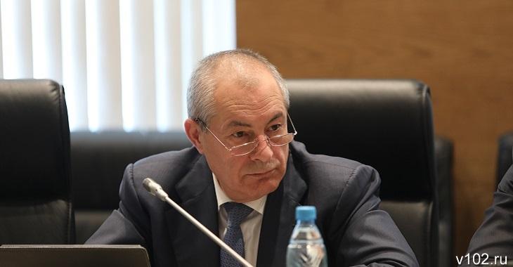 Депутат-единоросс: «8 тысяч рублей пенсии получают тунеядцы и алкаши»