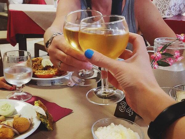 Итальянский бармен поделился впечатлениями от русского застолья
