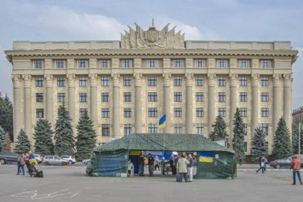 Харьков не спит: В городе все еще звучит голос сопротивления. Порошенко лезет в карман украинцев. Долг ЖКХ будут списывать сразу с банковских карт