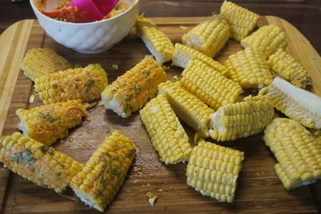 Запеченная в рукаве сливочная кукуруза: фото шаг 2