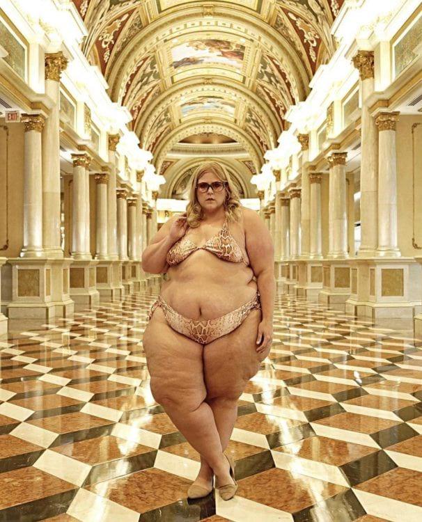 Плюс-сайз модель попросили прикрыться в отеле Лас-Вегаса