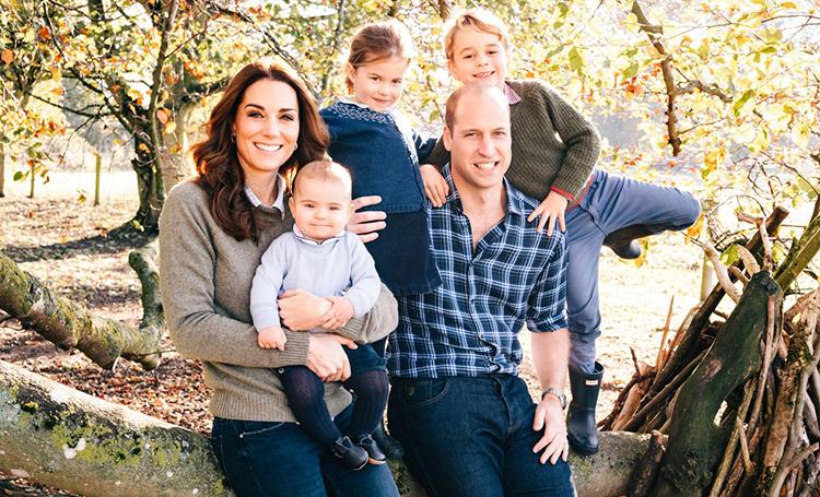 Кейт Миддлтон с принцем Уильямом и Меган Маркл с принцем Гарри представили рождественские открытки