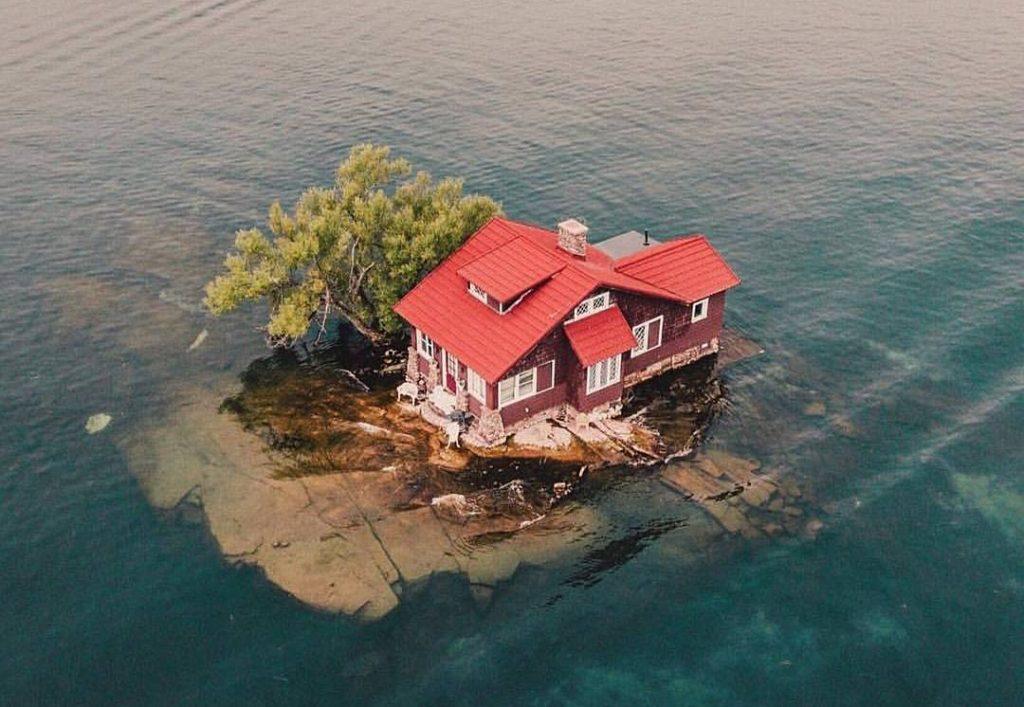 Вот как выглядит самый маленький остров в мире