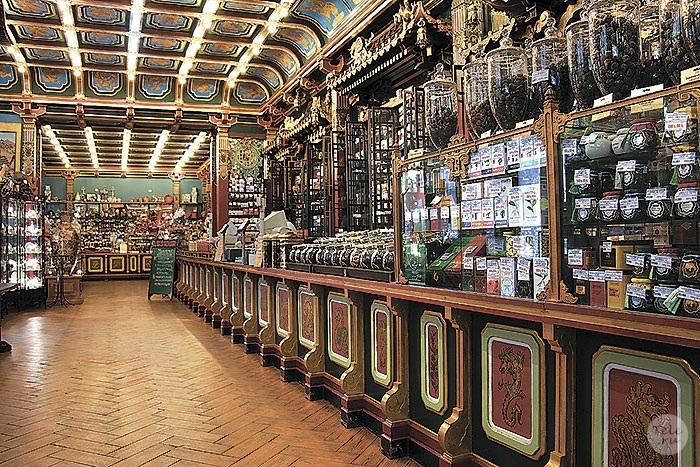 «C драконами да змеями …»: Увлекательная история первого в России чайного магазина