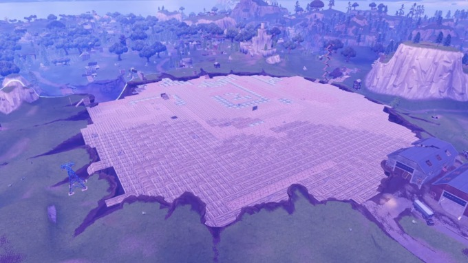 Поклонники Fortnite застроили гигантский кратер на карте во время «королевской битвы»