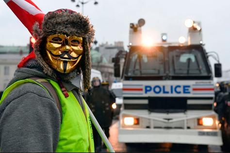 Год тюрьмы за маску на митинге
