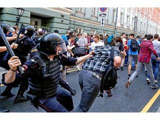 Репетиция Майдана: чего на Западе ждут от митингов в России