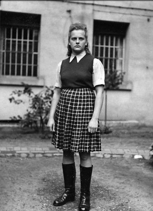 Ирма Грезе - самая жестокая надзирательница лагерей смерти во время Второй мировой войны. | Фото: pbs.twimg.com.