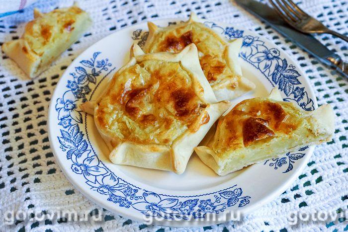 Открытые пирожки калитки с картошкой. Фотография рецепта
