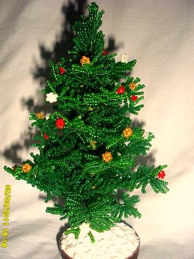 елка из бисера
