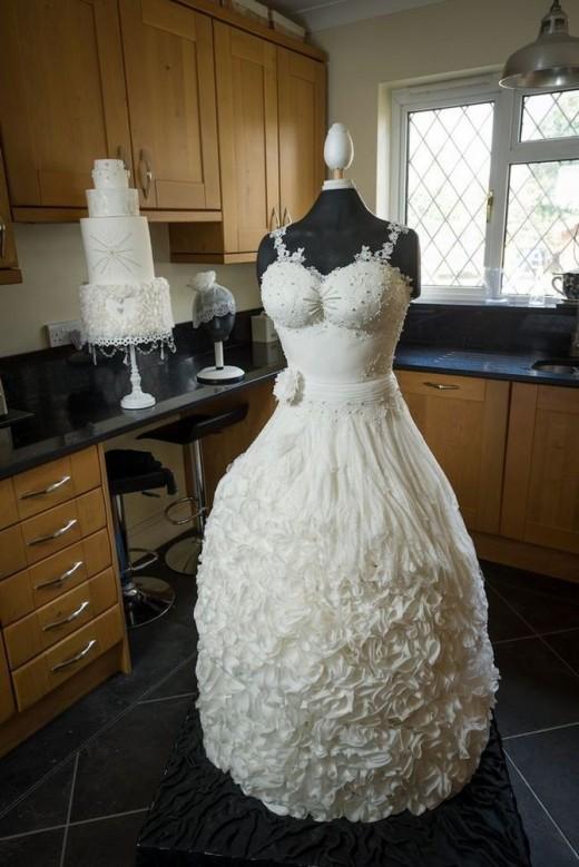 Вот это я понимаю свадебный тортик!!!